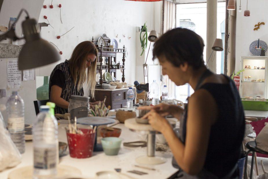 atelier de cerâmica lisboa, ceramics studio Lisbon, ceramic workshops, cursos de cerâmica, caulino ceramics, cerâmica lisboa